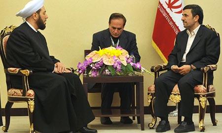 Ahmadinejad Receives Syria Mufti, Says US Seeks New War in Region