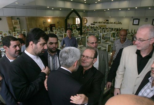 Jalili Visits Martyr Moghnieh Rest Place: Islamic Resistance Model for Entire World