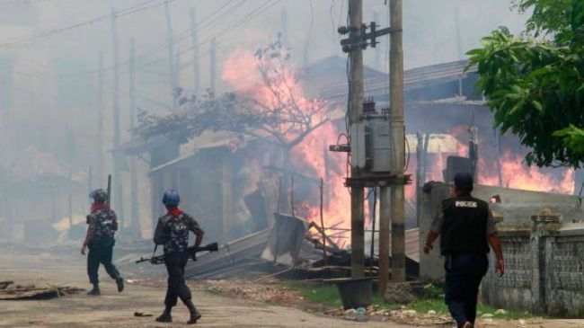 Buddhists Burn Down Mosque in Myanmar's Rakhine State