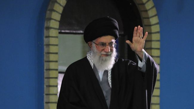Imam Khamenei: US in Complete Submission to Zionist Entity