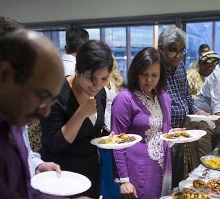 """Big Iftar"" by British Muslims: Path to Racial Harmony"