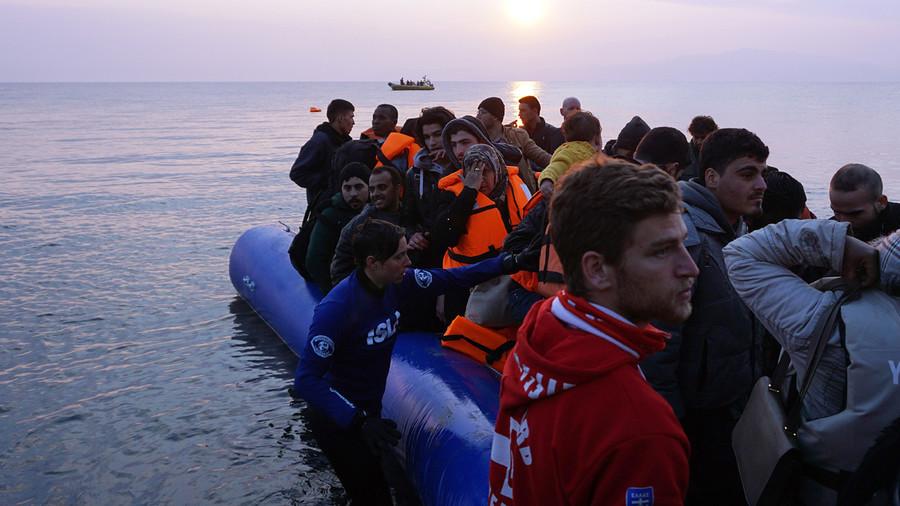 Alahednews:EU Begins Shipping Migrants in Greece Back To Turkey