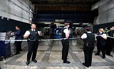 UK: 3 Men, 3 Women Arrested on Suspicion of Terrorism, over $400,000 Funds Thought to be for ISIL Seized