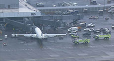 US Flight Worker Trapped in Hold