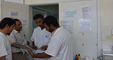 Yemen Medics: We Hear Gunshots and Shelling and Move Patients to Safety