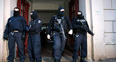 Two Algerians Linked to 'ISIS' Arrested in Germany