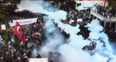 Turkey: Police Raids Opposition Daily HQ, Uses Violence against Protesters