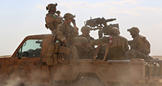 US-backed Militants Force US Commandos to Leave Syrian Town: Dogs! Get out!