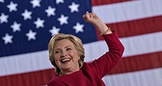 Poll: Clinton Grabs 5-Point Lead as Independents Shift