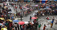 Typhoon Survivors Wait for Aid in the Philippines