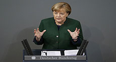 Merkel to Compromise with US on Trade, Military Spending