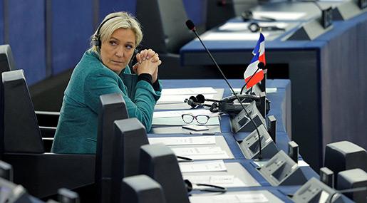 Le Pen Reveals Date of «Frexit» Referendum If Elected