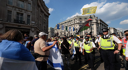 Hezbollah Flags on London Streets as Hundreds March Against «Israel»