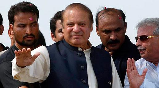 Pakistan's Ex-PM Sharif Returns Home for Court Hearing