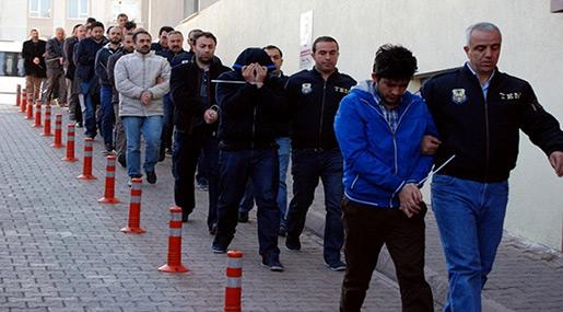 Turkish Police to Arrest 333 Soldiers over Gulen Links