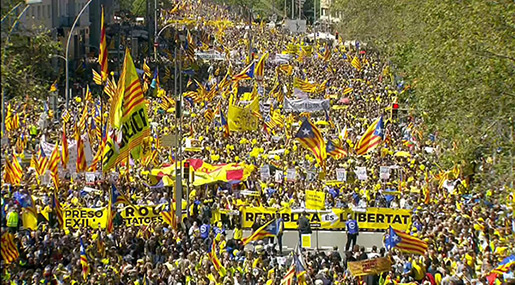 Thousands Demand Release of Independence Leaders in Barcelona