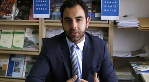 «Israel» Expels Top Human Rights Activist