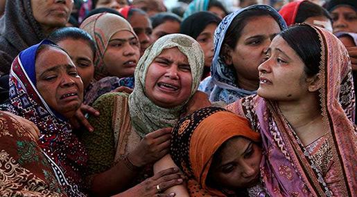 India & Pakistan Trade Fire along Kashmir Border, 9 Dead