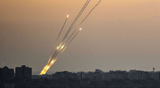 Palestinian Resistance Showers 'Israeli' Settlements with Missiles in Response to Earlier Attacks
