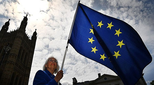 Brexit: British MPs Reject Bid to Stay in EEA amid Labor Revolt