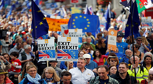 UK: Tens of Thousands Protest Brexit