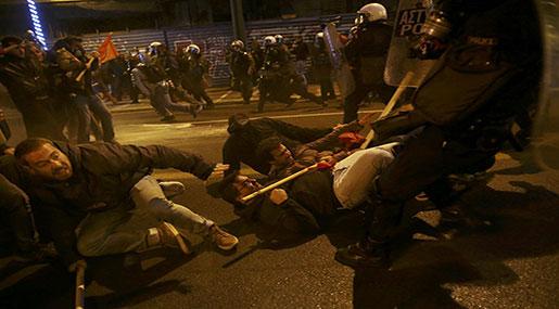 Greece: Police Clash with Demonstrators Protesting Obama's Visit