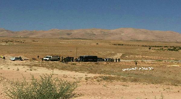 Daesh Terrorists Surrender to Hezbollah at Syrian-Lebanese Border [Photos]