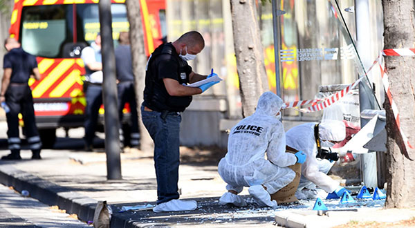 Marseille: One Dead, Another Injured After Car Rams Two Bus Shelters in 'Deliberate' Act