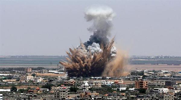 «Israeli» Air Strike, Artillery Shells Hit Gaza, 25 Injured