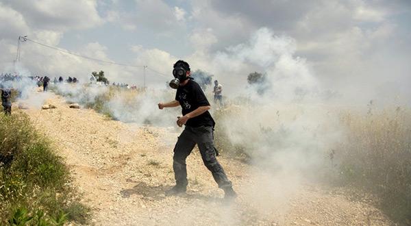 Palestinians Devastatingly Affected by «Israeli» Tear Gas
