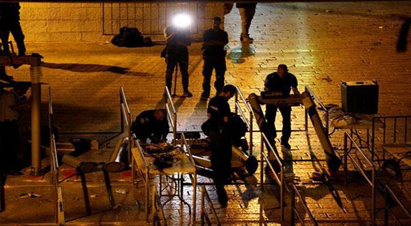 'Israel' Removes Aqsa Metal Detectors, Palestinians Reject New Measures