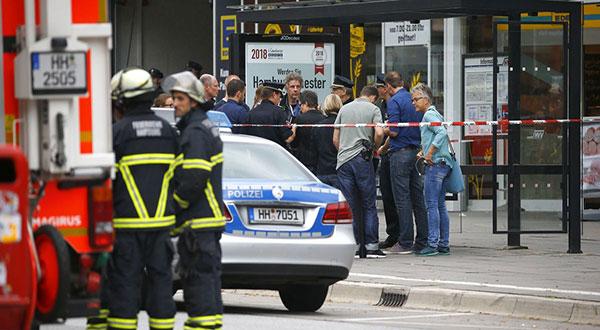 Hamburg Supermarket Attack: One Person Dead, Suspect Held