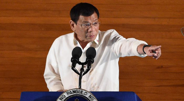 Philippine President Vows to Eat Militants after Beheadings