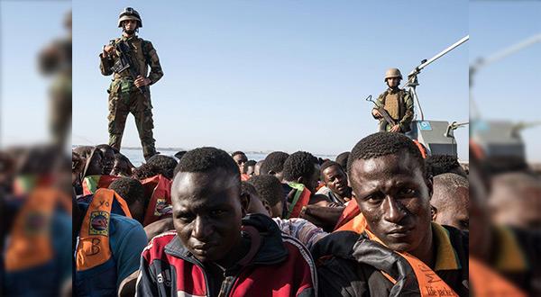 Libyan migrants and coastguards