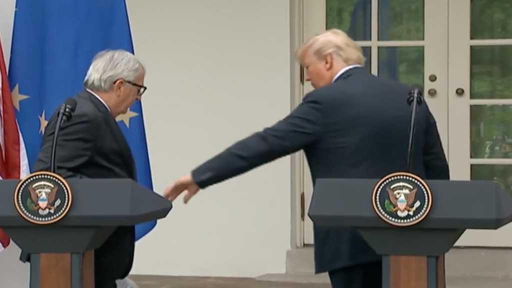 EU President Juncker Refuses to Hold Trump's Hand during WH Visit
