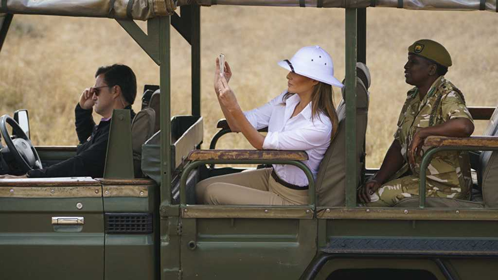 Twitter Chastises Melania Trump for Wearing «Colonial» Headgear in Africa