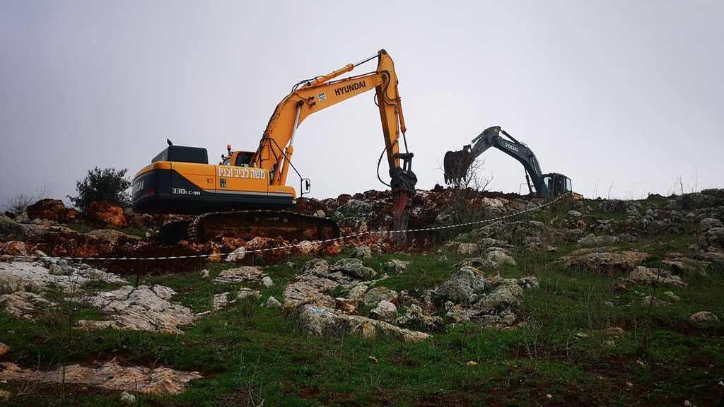 """Israeli"" Excavators Start Building Dirt Barrier near Southern Village"