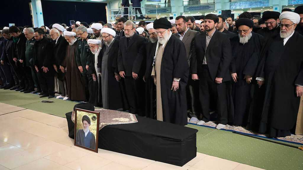 Ayatollah Shahroudi's Funeral Attended by People, Officials in Tehran