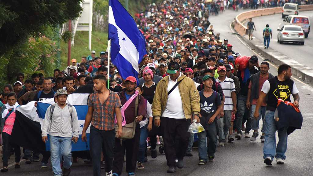 Hundreds of Hondurans Set Off Toward US in New Caravan