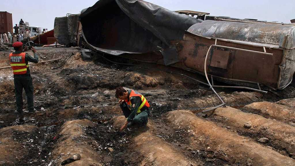 Pakistan: At Least 27 People Killed After Vehicle Hits Oil Tanker, Bursts into Flames