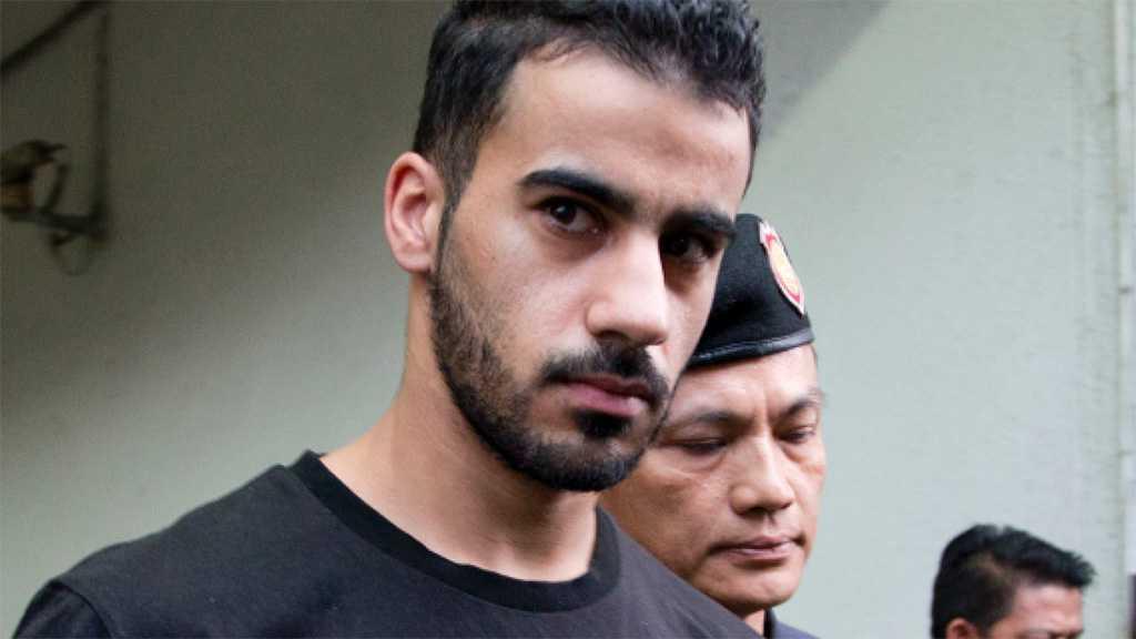 Craig Foster Visits Imprisoned Bahraini Footballer in Thailand, Calls FIFA to Support His Case