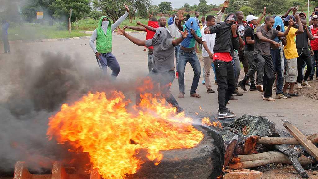 Zimbabwe Gov't, Unions in Last-Ditch Talks to Avert National Strike