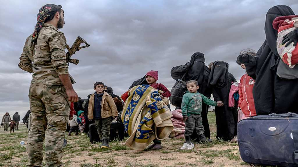 Hundreds of Daesh Terrorists Surrender In Syria's Baghouz - Report