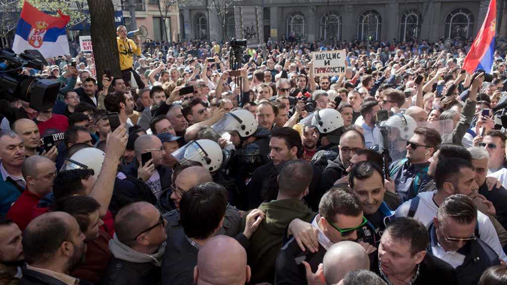 Serbian President Vows to Prevent Violence amid Ongoing Anti-Gov't Protests