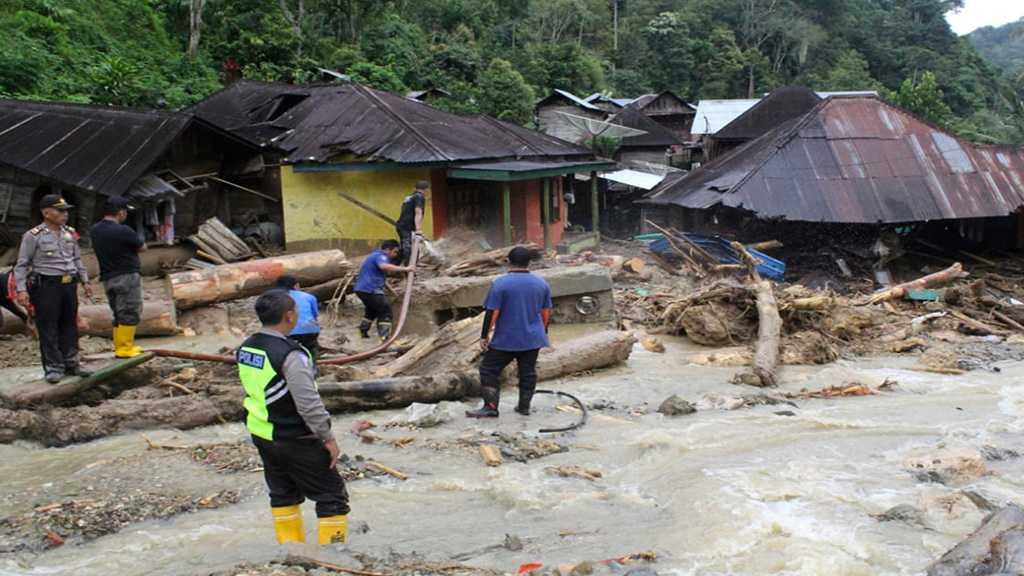 Indonesia Floods: Death Toll Tops 100, Dozens Still Missing