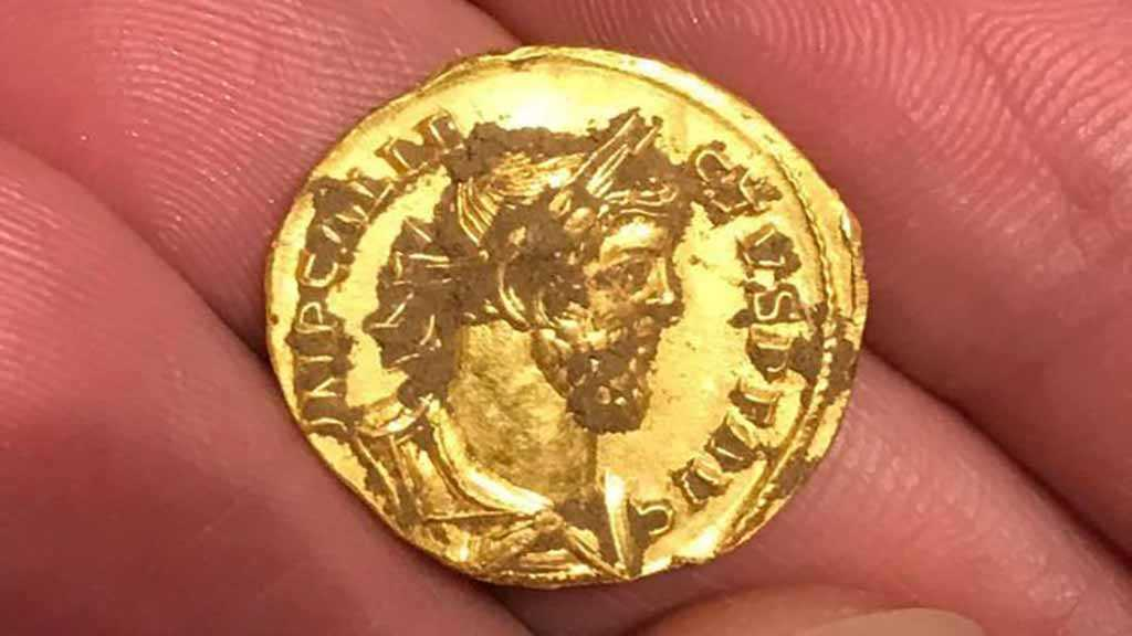 Perfectly Preserved 2,000-Year-Old Gold Coin Found in Britain