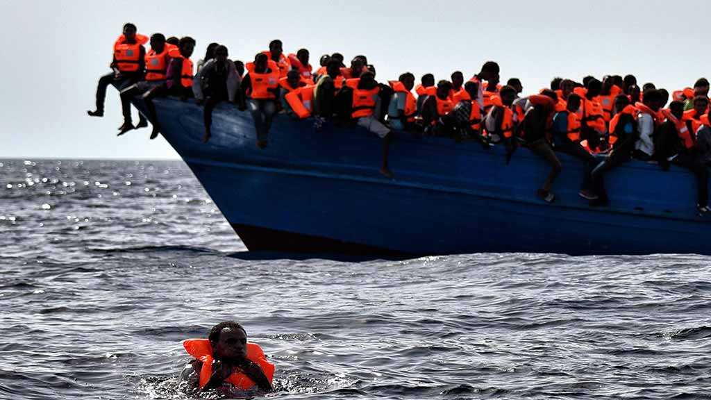 Salvini: Italy's Ports to Stay Closed Due to Risk of Terrorists on Migrant Boats
