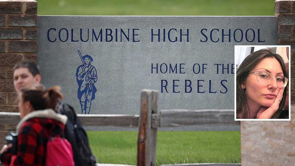 United States: 20 Schools on Lockdown as FBI Hunt for 'Columbine-Infatuated' Teen