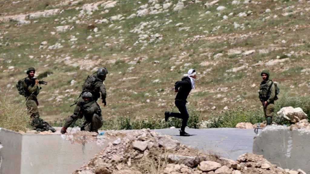 IOF Shoots Bound, Blindfolded Palestinian Teen Trying to Flee