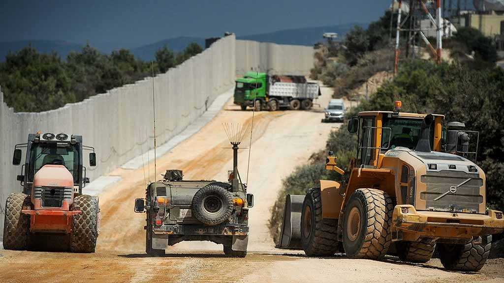 In Fear of Hezbollah, «Israel» Builds Barrier along Lebanese Border